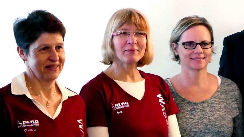 Marion Renner, Ines Findeklee und Christine Baum (v. r.) sind erfolgreiche Rettungsschwimmerinnen.