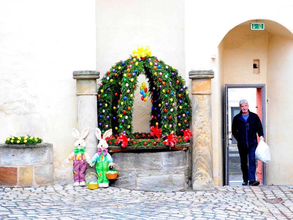 Landkreis Forchheim Osterbrunnen..Fränkische Schweiz..Bieberbach..Rekordbrunnen..Foto Roland Huber..2018