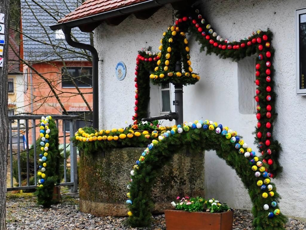 Landkreis Bamberg Osterbrunnen.Fränkische Schweiz.Oberngrub.der leitensweg.Foto Roland Huber.2018