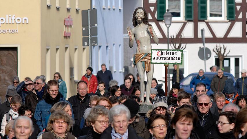 Motiv: Karfreitagsprozession Neunkirchen.Foto: Harald Hofmann.Bildgröße: