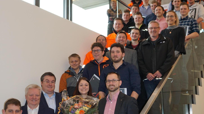 28 Nachwuchskräfte der Firmengruppe Max Bögl schlossen bestens ab.