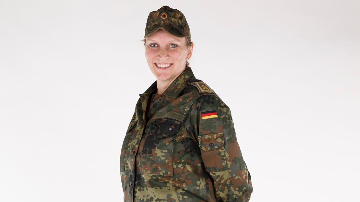 Die Umstandsmode für schwangere Soldatinnen hat sich in anderen Ländern bereits bewährt - jetzt zieht die deutsche Bundeswehr nach.