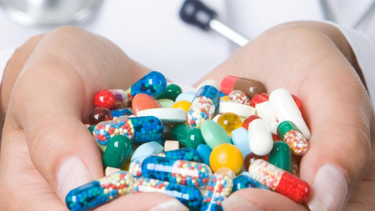 Wer nimmt was und wofür? Mit Hilfe einer verpflichtenden Arznei-Auflistung wollen Mediziner Komplikationen bei ihren Patienten vermeiden.