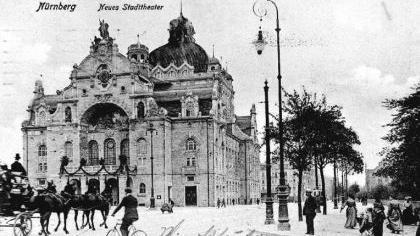 """Die Ruhe dieser Postkartenansicht trügt: """"Der Rosenkavalier"""" machte 1911 im Opernhaus viel Wirbel.Foto: Stadtarchiv"""