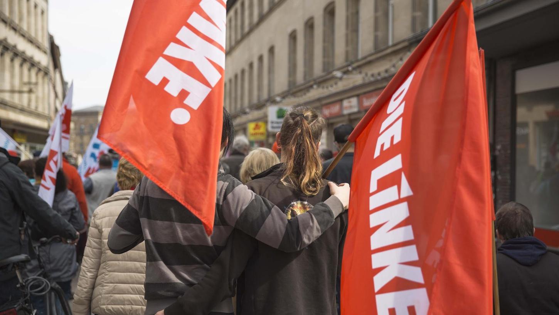"""""""Vielfalt. Gerechtigkeit. Solidarität"""" lautet das Motto der Demonstrationen, zu denen der DGB am 1. Mai bundesweit aufruft. In Fürth ist neben der Maifeier – das Foto entstand 2017 – auch eine Pegida-Demo angemeldet."""