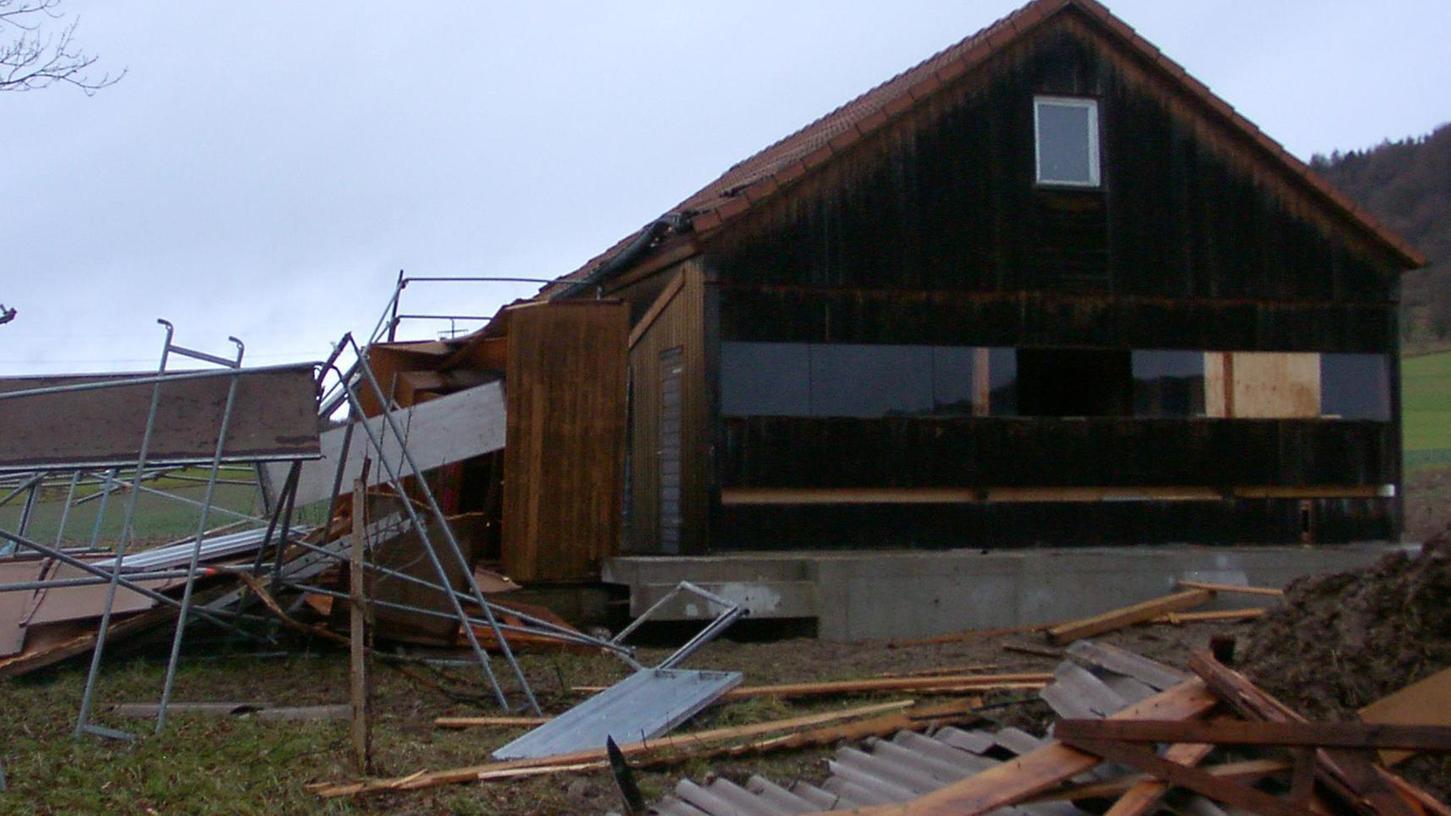 Sturmtief Burglind hatte den Kreislehrbienenstand schwer getroffen.