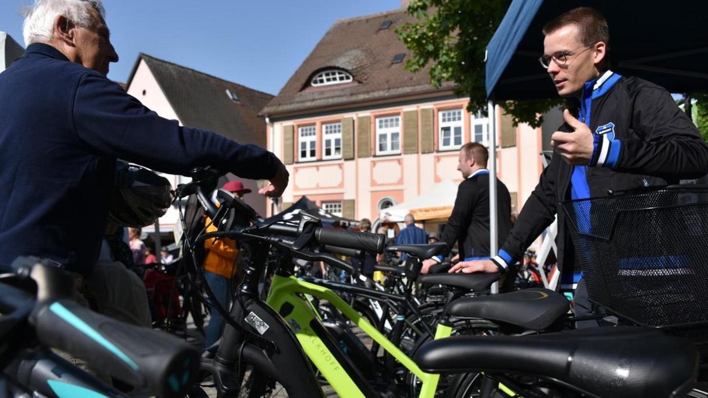Viel Technik, gute Beratung, und dazu viel Vergnügen bei bestem Wetter zwischen den Türmen und am Marktplatz in Herzogenaurach.