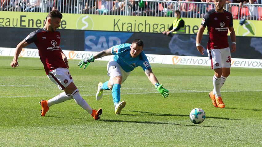 Die bedrohliche Phase, in der sich das 1:1 angedeutet hatte, hatte der Club nun überstanden – und setzte in der 76. Minute zum finalen, das Erstliga-Ticket lösenden Schlag an. Möhwald passte zu Leibold und der herrlich öffnend auf Löwen, der auf den Weg Richtung SVS-Gehäuse machte. Sandhausens Abwehrverbund hatte sich aufgelöst. Löwen legte vor dem in dieser Szene alleingelassenen Schuhen auf den mitgelaufenen Leibold – 2:0, Bundesliga!  Die