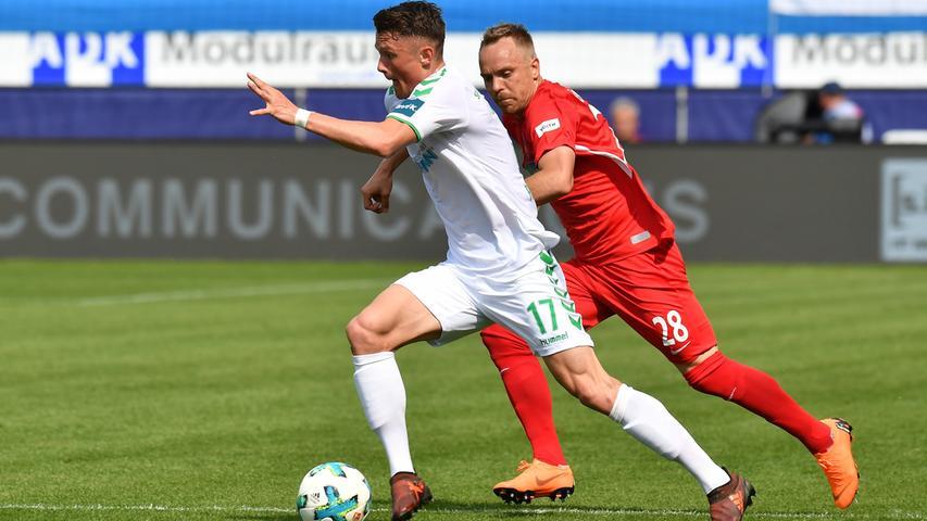 Bester Fürther ist an diesem Tag Fabian Reese. Mehrfach narrt die Leihgabe des FC Schalke 04 seine Gegenspieler und strahlt Entschlossenheit und Wille aus.