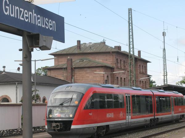 Nicht mehr nur nach Pleinfeld: Ab 2024 sollen die Züge von dort nicht mehr in Gunzenhausen enden, sondern bis Wassertrüdingen fahren.