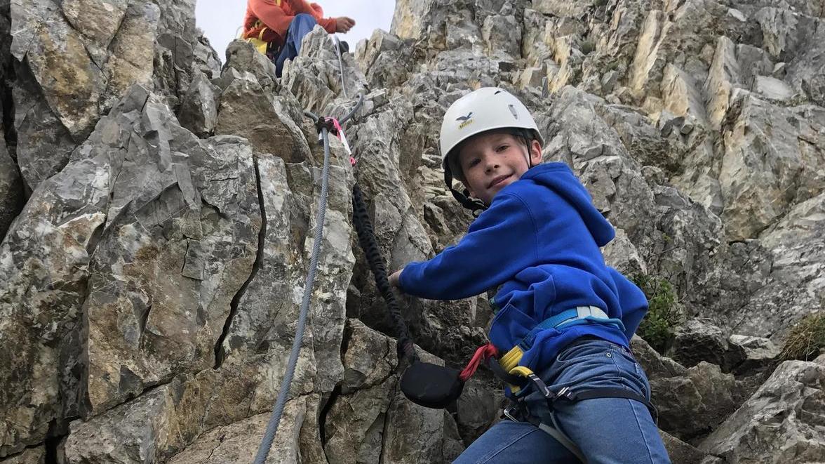 Den Steig in Warth können auch Kinder begehen. Er führt bis auf den 2416 Meter hohen Karhorn-Gipfel.