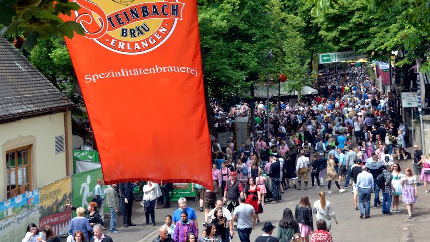 10. Wir Franken verstehen es, zu feiern. Zu den schönsten und beliebtesten Volksfesten in der ganzen Region gehört die Erlanger Bergkirchweih.