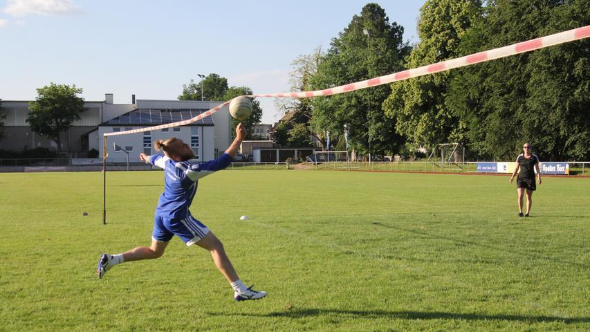 Foto: Dominik Mayer Motiv: Eindrücke vom Faustball Training des TV 1848 Schwabach, Mai 2018