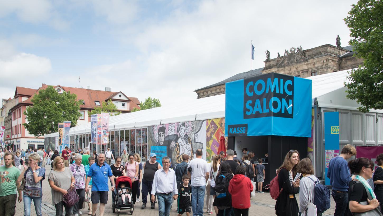 Der 18. Internationale Comic-Salon in Erlangen hat alle Besucherrekorde gebrochen. Etwa 30.000 Fans waren angereist, um ihre Lieblings-Artists live zu treffen.