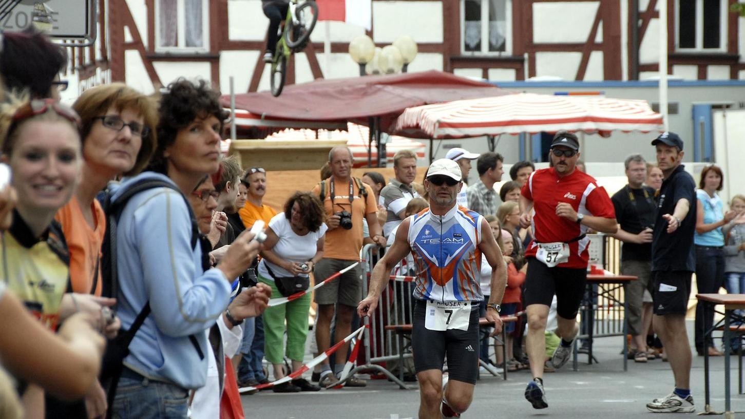 2008 lag der Paradeplatz noch im Zentrum der Triathlon-Veranstaltung.
