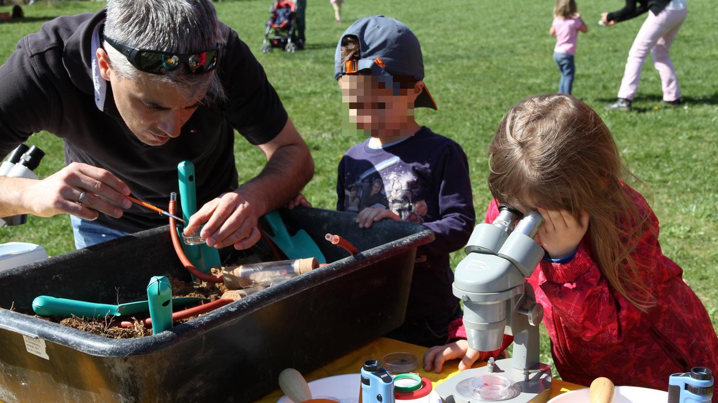 Der Saisonauftakt in der Umweltstation Lias-Grube in Unterstürmig ist mit einem Eröffnungsfest gebührend gefeiert worden. Vor allem Familien mit Kindern nahmen am vielfältigen Angebot auf dem Freigelände teil.
