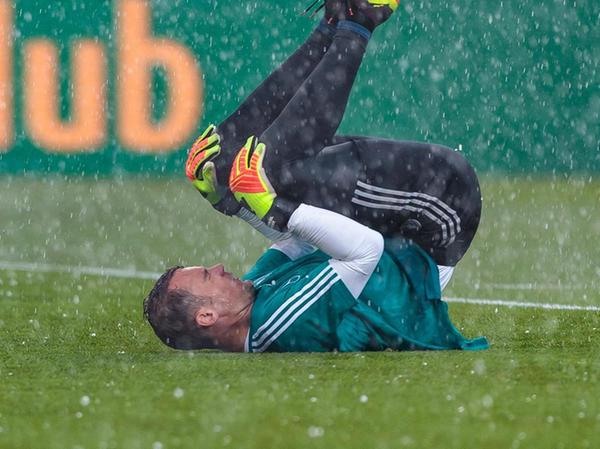 Man muss ehrlich sein, ein Weltklassetorhüter wie Manuel Neuer wird wohl nie Probleme haben, einen Physiotherapeuten zu finden, der ihm hilft, rechtzeitig vor einem wichtigen Turnier fit und gesunde zu werden. Weniger prominente Sportler spüren den Fachkräftemangel hingegen jetzt schon.