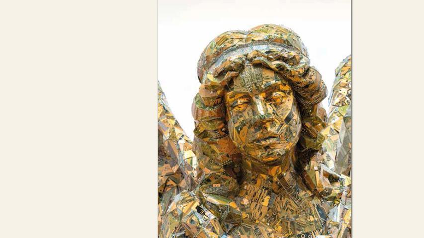 geb. 1985 in Halle/Saale lebt in Erlangen Nike (2017) 240 x 200 x 180 cm Skulptur/Computerplatinen