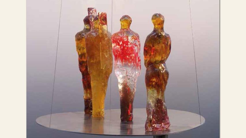 geb. 1962 in Nürnberg lebt in Rednitzhembach 3 M 1 F (2012) 30 cm Durchmesser Glasguss