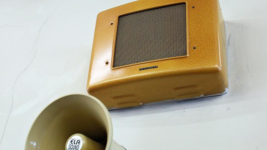 Wer in den 50er Jahren, als im Pellerhaus vor allem gelesen und studiert wurde, wohl durch diesen Lautsprecher seine Duechsagen machte?