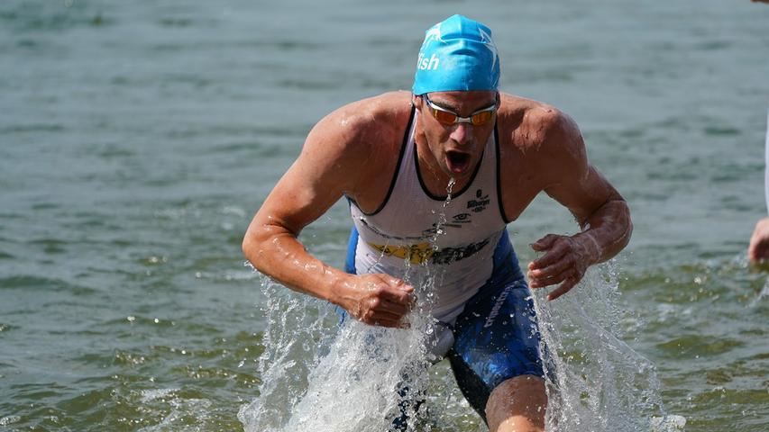 Foto : Salvatore Giurdanella (giu) / 16.06.2018 / wirecenter am..motiv : 30. Memmert Rothsee Triathlon ..Samstag 2. Bundesliga Männer ..Schwimmen....Rothseetriathlon2018