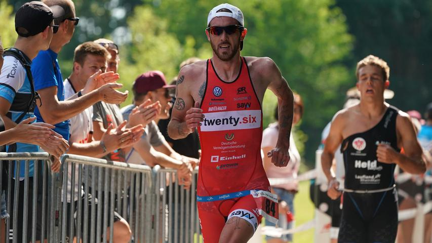Foto : Salvatore Giurdanella (giu) / 16.06.2018 / wirecenter am..motiv : 30. Memmert Rothsee Triathlon ..Samstag 2. Bundesliga Männer ..Laufen....Rothseetriathlon2018