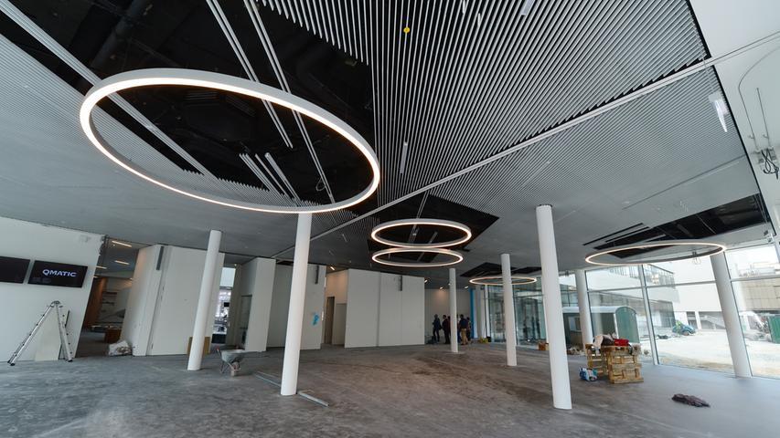 Das neue Landratsamt ist bezugsfertig. Multifunktionsraum im Erdgeschoss.. Foto: Klaus-Dieter Schreiter.