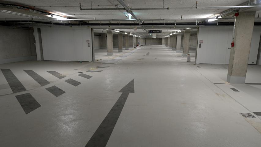 Das neue Landratsamt ist bezugsfertig. Tiefgarage für 210 Autos. Foto: Klaus-Dieter Schreiter.
