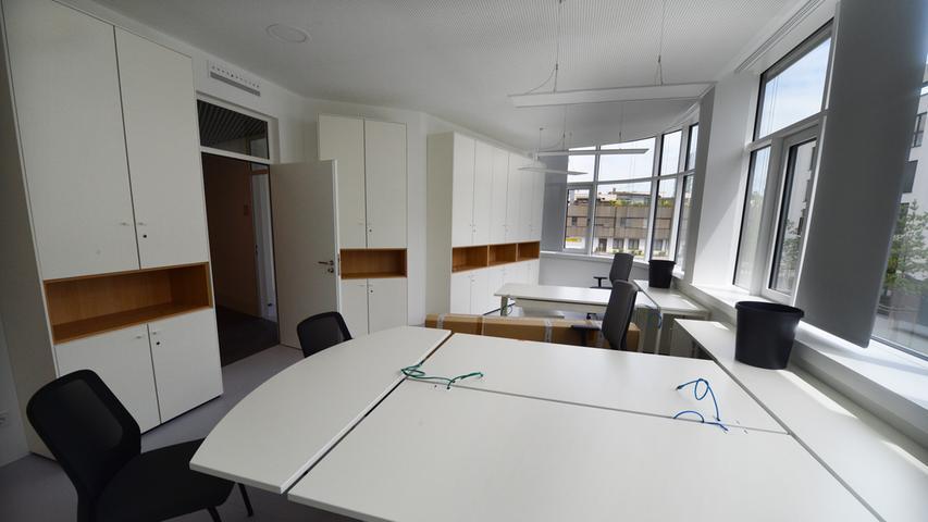Das neue Landratsamt ist bezugsfertig. Moderne Büros. Foto: Klaus-Dieter Schreiter.