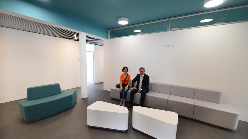 Das neue Landratsamt ist bezugsfertig. Der wartebereich vorm Büro des Landrates.. Foto: Klaus-Dieter Schreiter.
