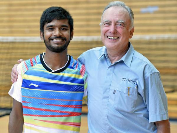 Multikulturelle Badminton-WG: Arindan Mandal (l.) spielt beim SC Uttenreuth Badminton, Nielsen ist stellvertretender Abteilungsleiter.