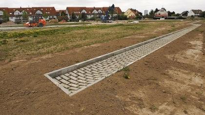Noch bis 21. Mai können sich Bauherren für Grundstücke im Baugebiet 410 »Häuslinger Wegäcker Ost« in Büchenbach (hier der Blick Richtung Mönaustraße) bewerben. Ein Teil des Areals ist für Passivhäuser reserviert.