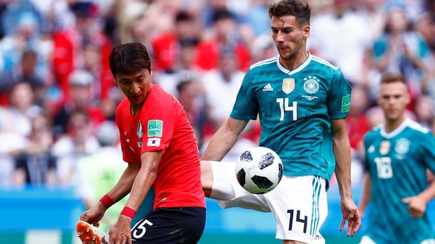 Was für eine Chance in der 47. Minute, huiuiui. Ein Kopfball aus sechs Metern. Drängte immer wieder in die Mitte, obwohl ihn der Bundestrainer eigentlich auf die rechte Seite gestellt hatte. Gerade noch WM-Debütant.