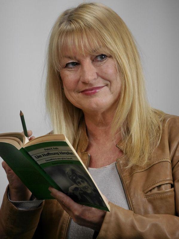 Die Bestseller-Autorin Sabine Weigand aus Schwabach schaffte es über Platz fünf der Liste in den Landtag.