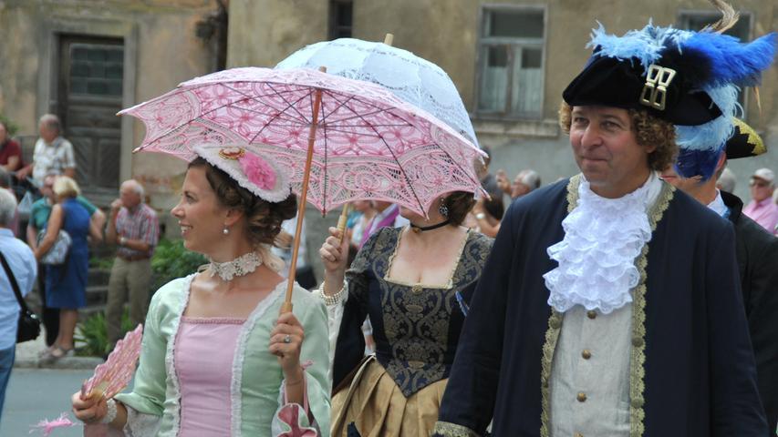 Pretzfelder Kirschenfest: Umzug fesselt die Stadt - auch Herrmann schaut vorbei