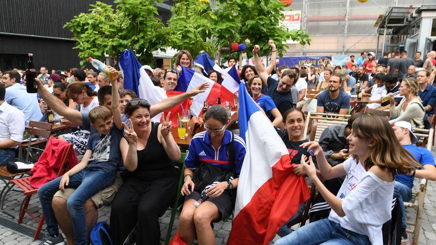 WM-Finale 2018: So feierten die Franzosen ihren Sieg im Erlanger E-Werk
