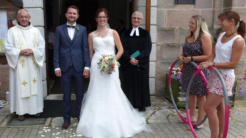 Genau ein Jahr nach der standesamtlichen Trauung erbaten sich Maike Munzert und Bastian Menzner den Segen der Kirche für ihre Beziehung. In der Wallfahrtskirche
