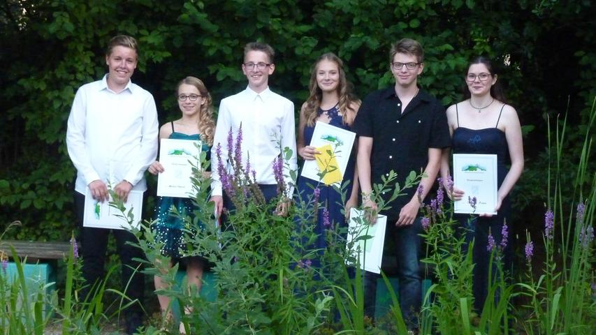 Nicolas Gebhardt (9a, Schnitt: 1,9), Vanessa Meixner (9a, Schnitt: 2,0), Justin Dörfler (9a, Schnitt: 1,8), Angelina Lösch (10 M, Schnitt: 1,78), Johannes Herbst (10 M, Schnitt: 1,89), Melissa Amon (10 M, Schnitt: 1,67) von der Mittelschule Kirchehrenbach