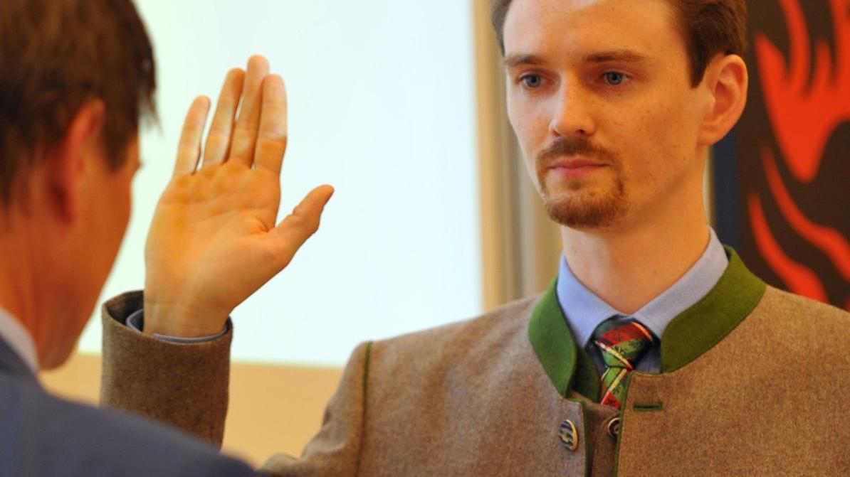 Alexander Koll-Pfeifer wurde als neuer Stadtrat vereidigt.