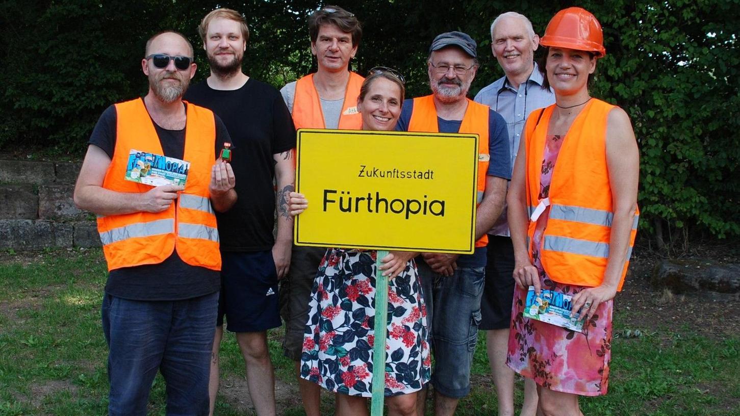 Das Team hinter Fürthopia: Vertreter vom Catch Up, dem Amt für Abfallwirtschaft, dem Bürgermeisteramt und von der Schule der Phantasie.