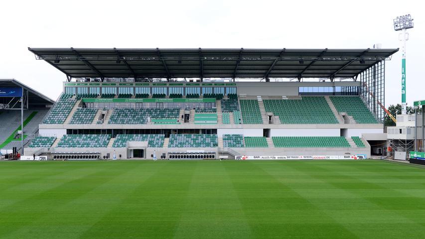 2018 erhielt das altehrwürdige Stadion eine neue Hauptribüne.