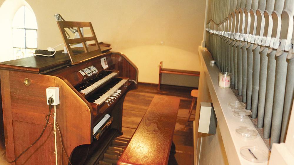 Alter Brocken: Ihre 75 Jahre lässt sich die Solnhofener Steinmeyer-Orgel äußerlich kaum anmerken. Im Inneren ist sie unter anderem durch Wurmbefall schwer beschädigt. Bei der Restauration sollen nun Spendenaktionen helfen.