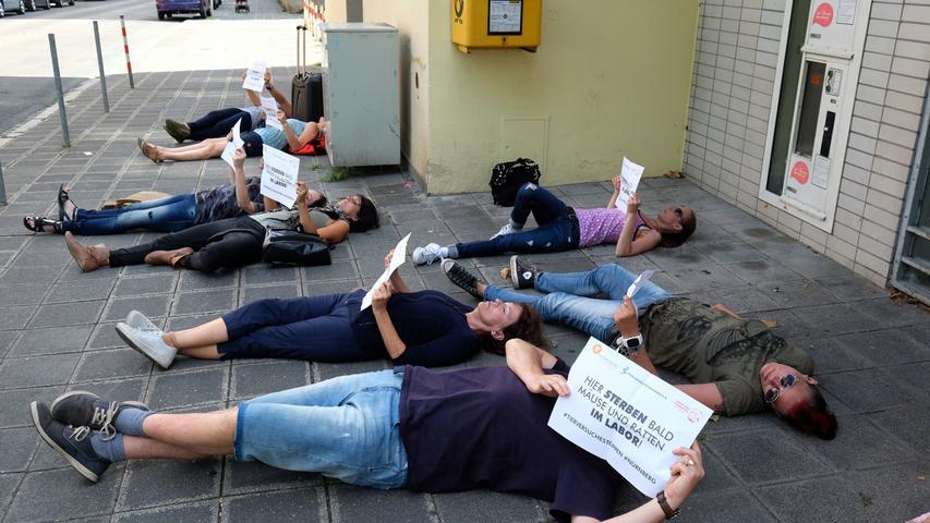 Motiv: Demo gegen Tierversuche Nordklinikum.. ....Datum: 11.08.2018.. ..Fotograf: Roland Fengler....Ressort: Lokales ....Exklusiv