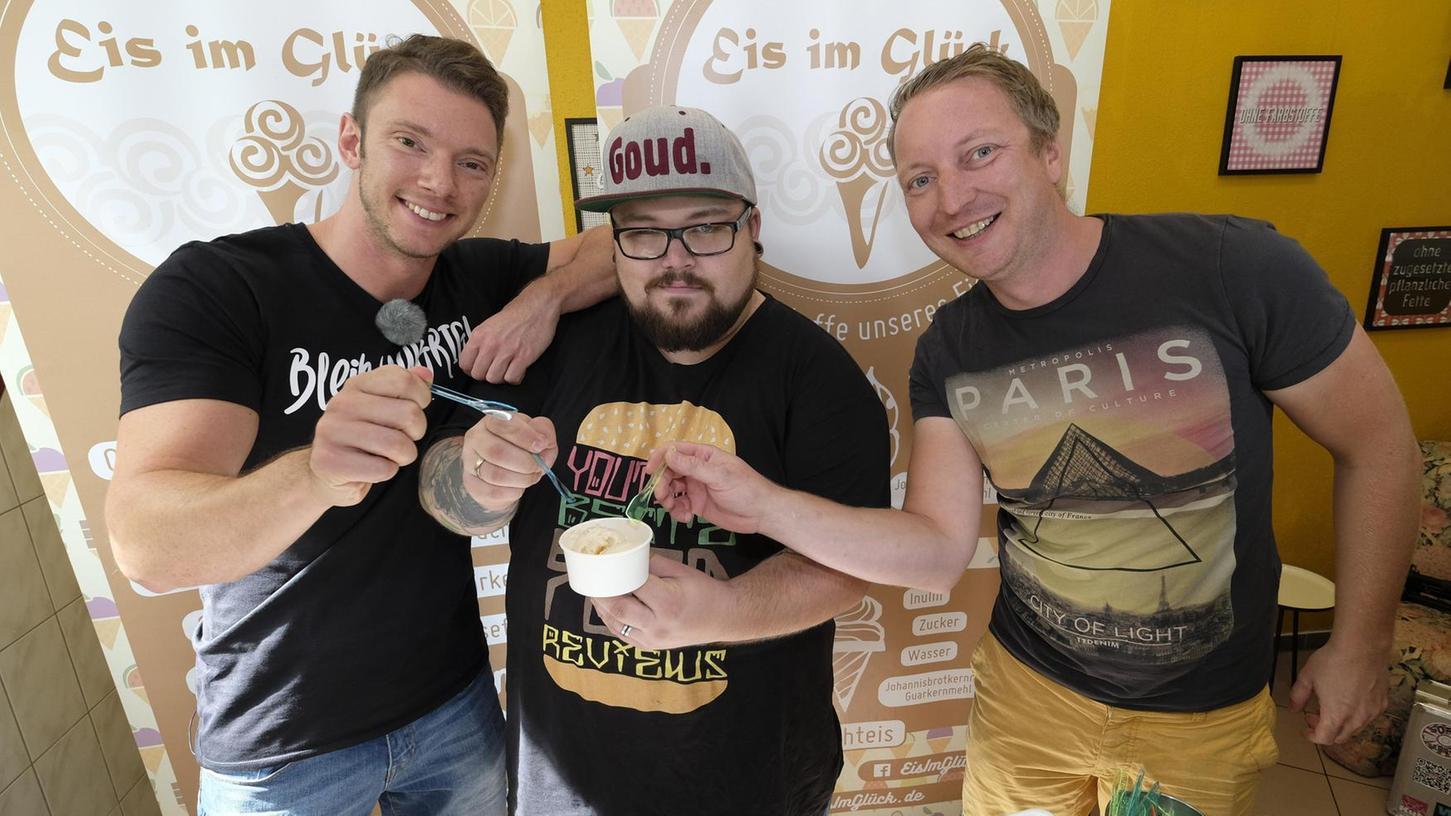 Mit ihrem Schäufele-Eis sorgten sie für ein ungewohntes Geschmackserlebnis: Michael Medrea, Phil Klausen und Fabio Güttinger (von rechts nach links).