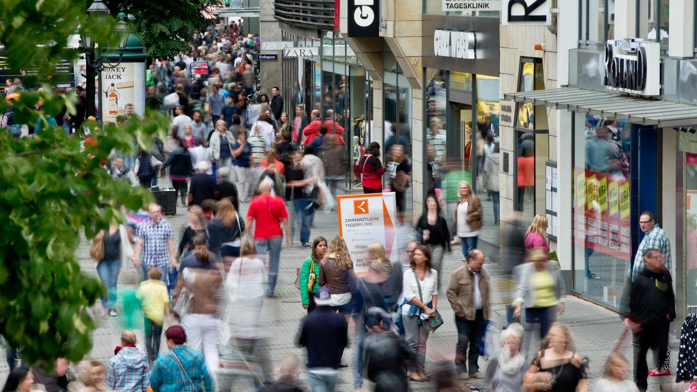 Fällt Mariä Himmelfahrt auf einen Tag unter der Woche, nutzen das viele Franken gerne zum Shoppen (Symbolbild).