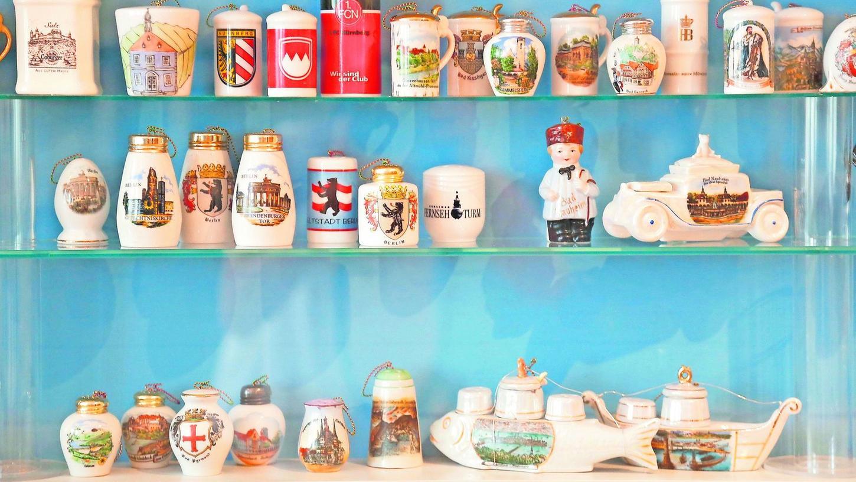 Kleine Kuriositäten: Nur ein kleiner Teil der rund 3000 gesammelten Salz- und Pfefferstreuer ist im Obergeschoss des Stadtmuseums ausgestellt.