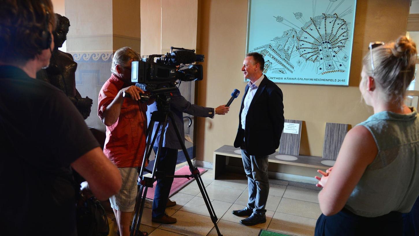 Ein enormes Medienecho lösten die Worte von Fürths Rathauschef und seines Duisburger Amtskollegen aus. Sie hatten eine gezielte Armutszuwanderung aus Osteuropa beklagt und dabei unter anderem Sinti und Roma im Blick.
