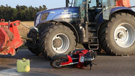 Zusammenstoß auf B14: Biker nahe Ansbach schwer verletzt