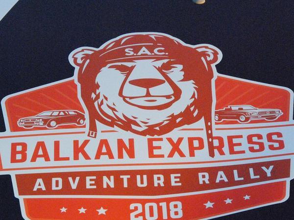 """Abstecher ins """"Bärenland"""". Das Logo der Balkan Express Adventure Rallye."""