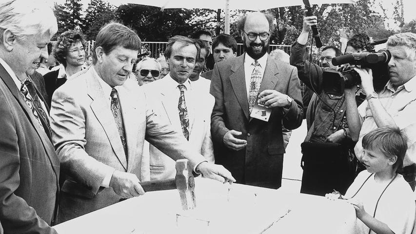 Grundsteinlegung für die neue Therme Ende der 1970er Jahre.